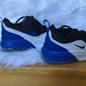 NWOB Nike  air max MTN 2 GS